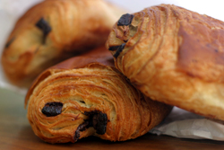 http://www.thenibble.com/reviews/main/breadstuffs/images/pain-au-chocolat-230.jpg